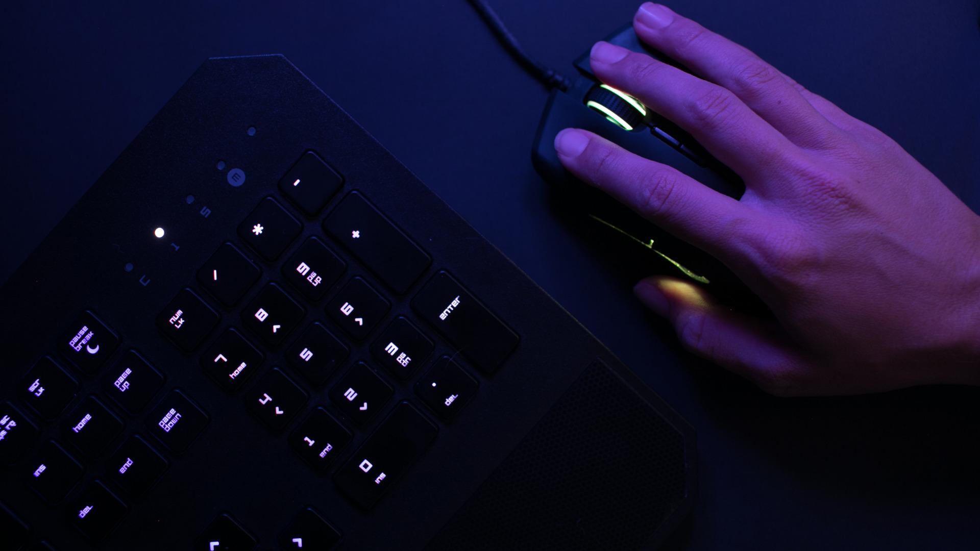 おすすめの多ボタンゲーミングマウスを紹介