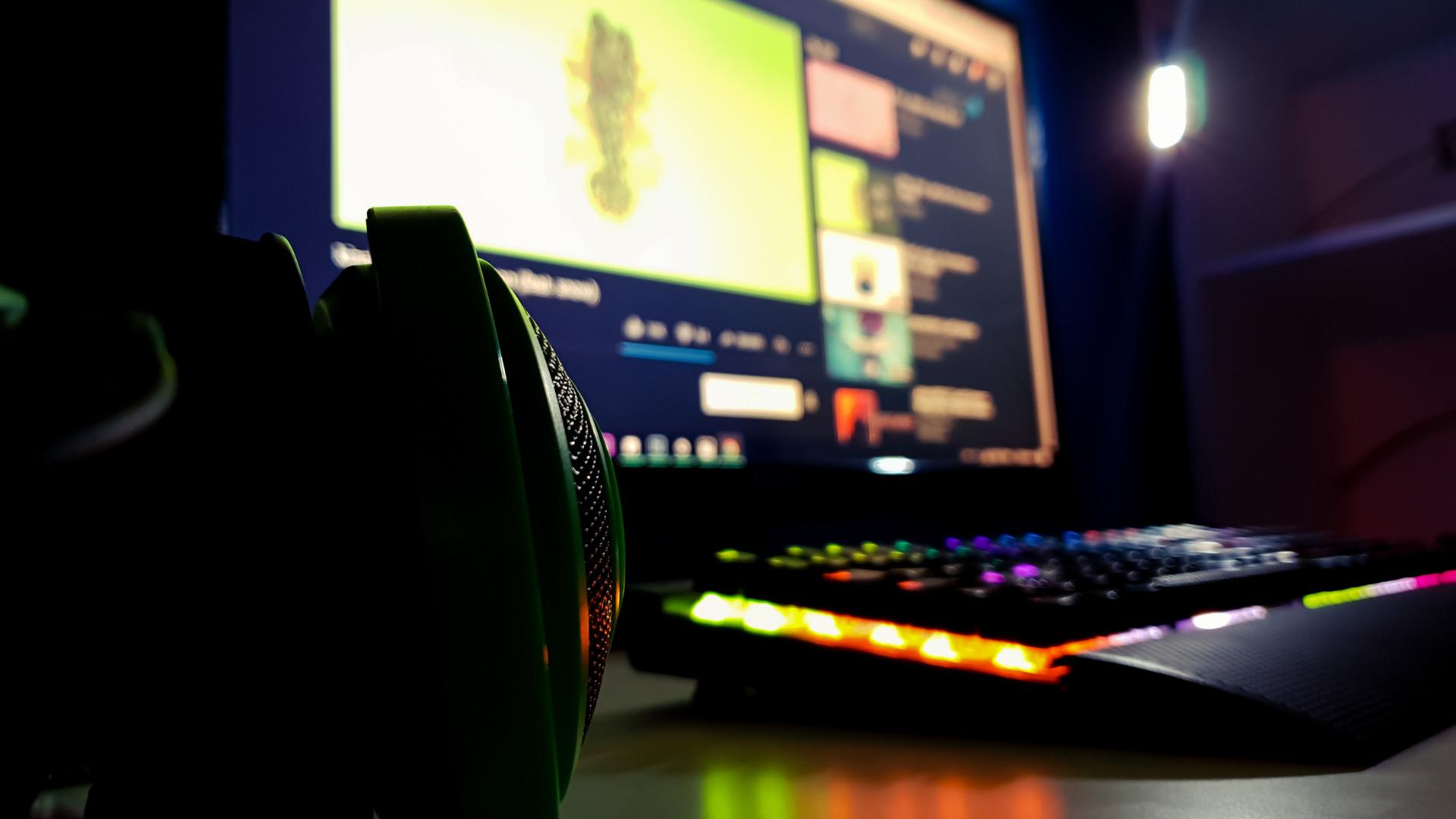 ゲーム以外にも動画編集や仕事で使えるゲーミングモニター