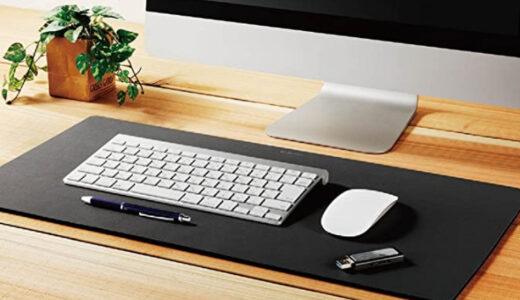 PCデスクとゲーミンマウスパッドの画像
